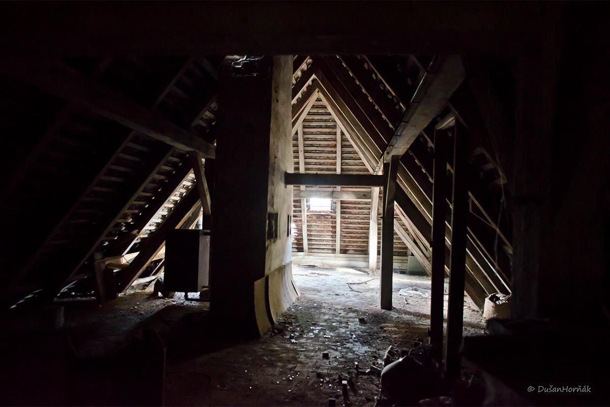 small garages ideas - The Jurajov dvor farm